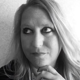 Increase Website Traffic-Angela Ash